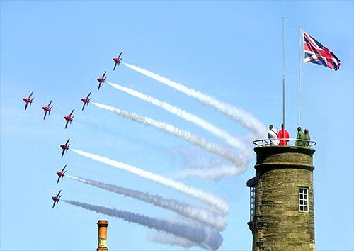 Red arrows fly by aero, Black colour - From £17.50 | Metal Plate Pictures