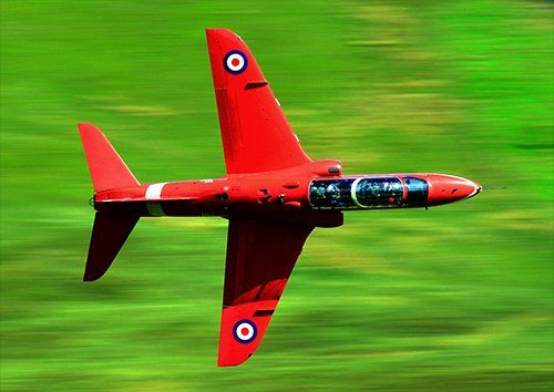 Red arrows low flying aero, Black colour - From £17.50 | Metal Plate Pictures