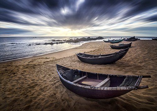 Vietnam fishing boats, Black colour - From £17.50 | Metal Plate Pictures